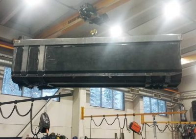 nosturi-kuljettaa-soralavaa-hitsaaminen-gravel-waggon-welding-bkweld